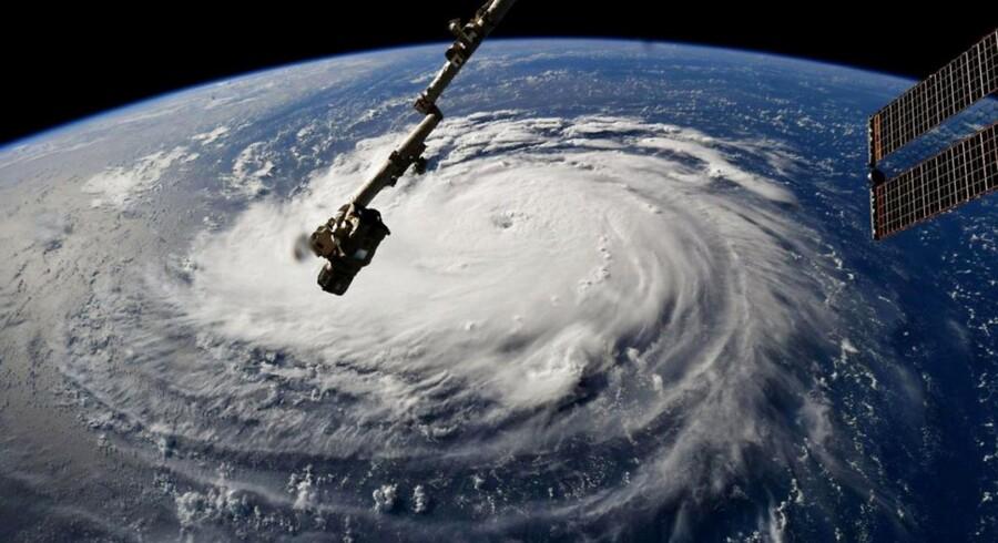 Orkanen Florence er ifølge de amerikanske myndigheder så kraftig, at den er »livsfarlig«. Over en million mennesker er derfor blevet evakueret, og der er etableret undtagelsestilstand i flere af de stater, der ventes at blive hårdest ramt, når Florence går i land senere på ugen.