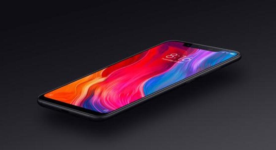 Android-smartphonen MI 8 er Xiaomis topmodel. Den kan nu også købes i Danmark, hvor mobilselskabet »3« som Danmarks fjerdestørste har taget de første tre Xiaomi-telefoner på hylderne. Foto: »3«