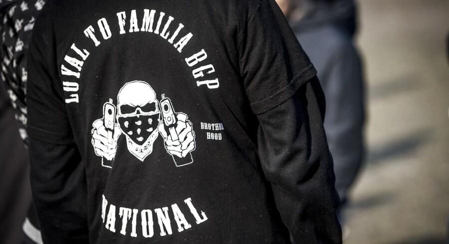 I stil med rockergrupper som Hells Angels og Bandidos har LTF deres eget logo, som er et dødningehoved med bandana for munden og to pistoler neden under navnet Loyal To Familia. Tilføjelsen »BGP«, som nogle af dem bærer, henviser til Blågaards Plads på Nørrebro, hvor banden først opstod (arkivfoto).