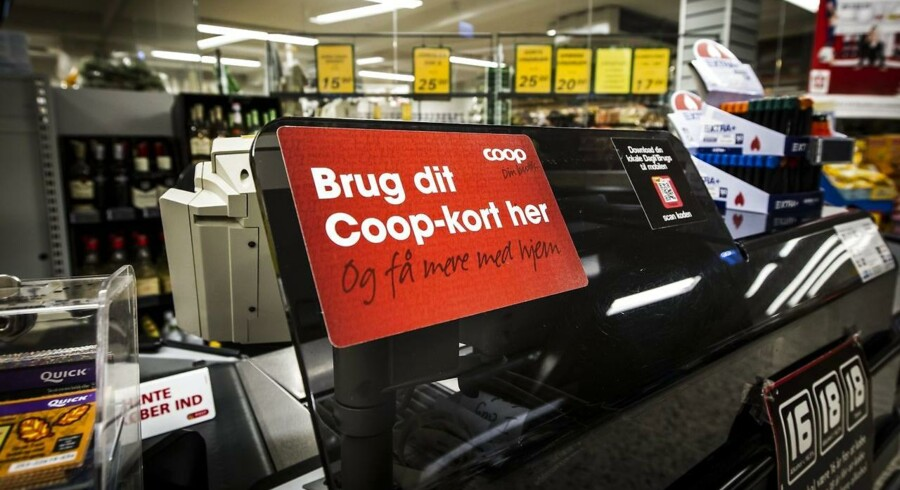 Coop, der står bag en række detailkæder, opfordrer nu deres 1200 butikker til at afskedige omkring 2000 ungarbejdere.