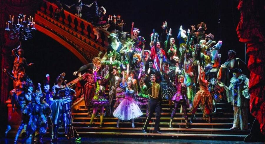 Maria Björnsons kostumefest, som den tog sig ud, da »The Phantom of the Opera« sidst gik over scenen.