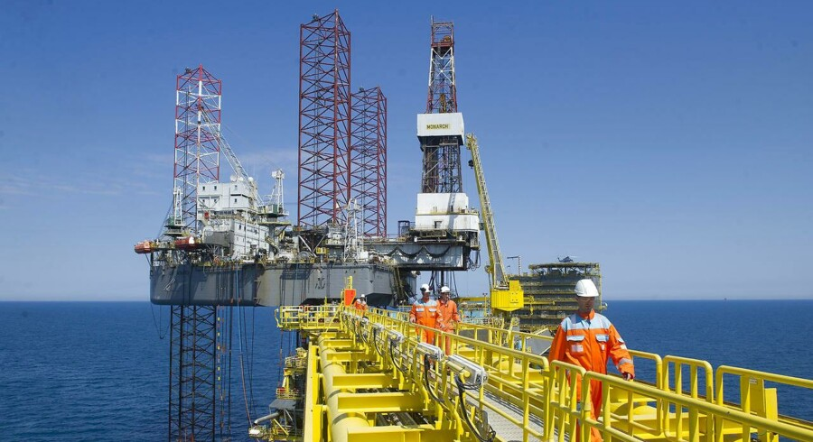 De amerikanske olielagre faldt i sidste uge med 8,6 mio. tønder til 395,9 mio. tønder, viser tal fra den private industrigruppe American Petroleum Institute tirsdag ifølge Reuters.