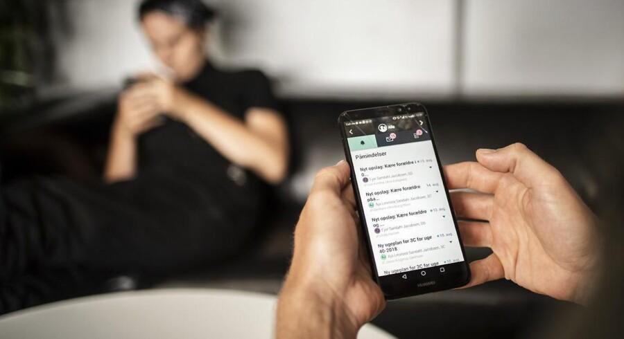 Det er især unge under 30 år, der skifter mobil- eller internetudbyder. Men fordi det efterhånden er blevet lettere at skifte, viser EPSI Ratings undersøgelse, at kunderne også bliver mere tilfredse.