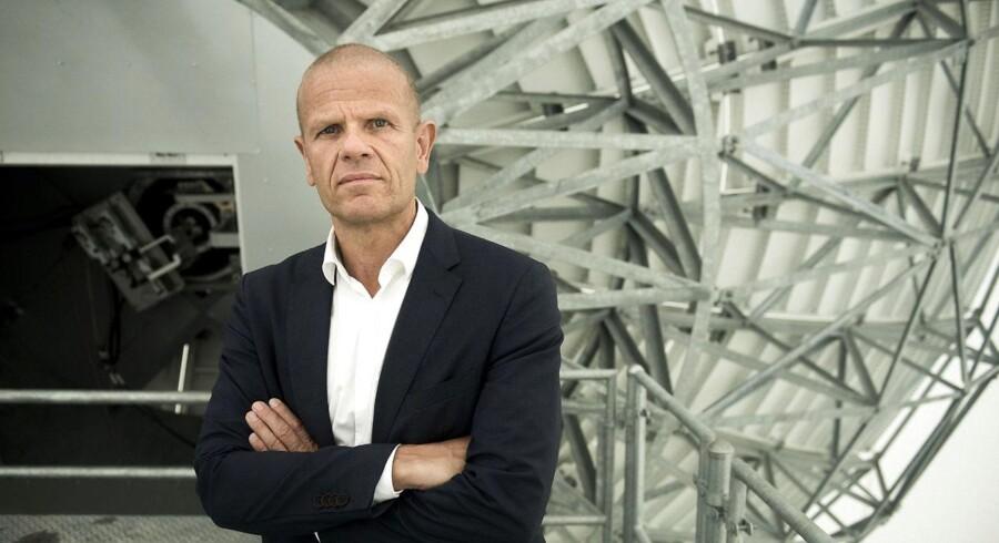 Beskrivelserne af FE-chef Lars Johan Findsen veksler mellem »kontroversiel«, »voldsomt upopulær« og »den perfekte embedsmand«. Uanset hvad har han nu befundet sig på nogle af de mest betændte poster i det danske embedsværk i mere end 15 år.
