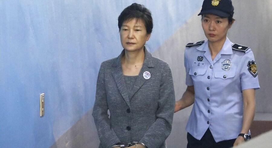 Arkivfoto: Den 66-årige Park Geun-hye blev i marts 2017 afsat som præsident af Sydkoreas forfatningsdomstol som følge af sin rolle i en skandale, der sendte rystelser gennem toppen af landets erhvervsliv og politiske elite.