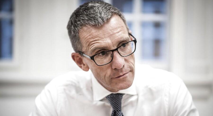 Inden for det seneste år er Christian Hyldahl fire gange blevet udbedt en forklaring på ATPs investeringer, da der er blevet stillet spørgsmålstegn ved investeringernes etiske karakter.