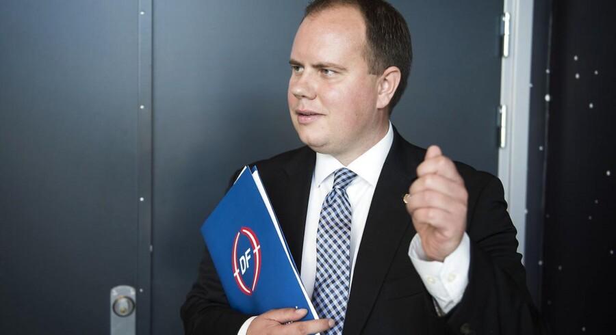 Martin Henriksen er utilfreds med Nye Borgerliges strategiske forsøg på at hente DFs vælgere.