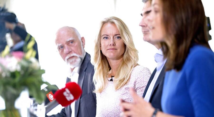 Nye Borgerlige holdt i weekenden sommergruppemøde. Her ses fra venstre folketingskandidat Poul Højlund, partiformand Pernille Vermund, partimedstifter Peter Seier Christensen og folketingskandidat Mette Thiesen.