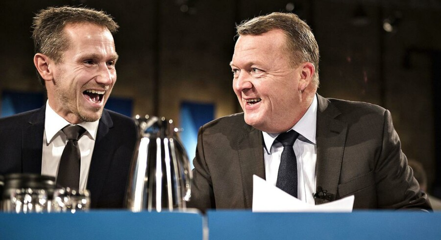 Finansloven bliver familieidyl i den blå familie med regeringen og Dansk Folkeparti, vurderer politisk kommentator Hans Engell.