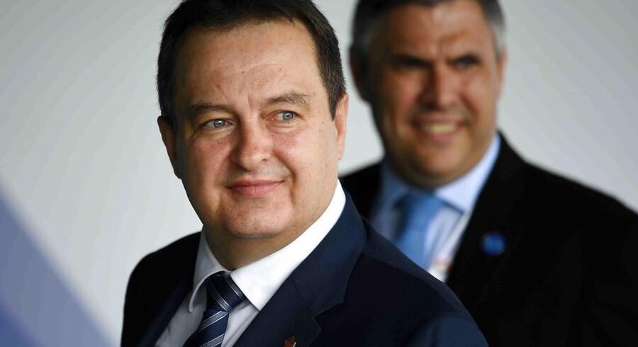 For Serbien kan det være vejen til EU-medlemskab, mener minister. Tyskland er bekymret over grænseflytninger.
