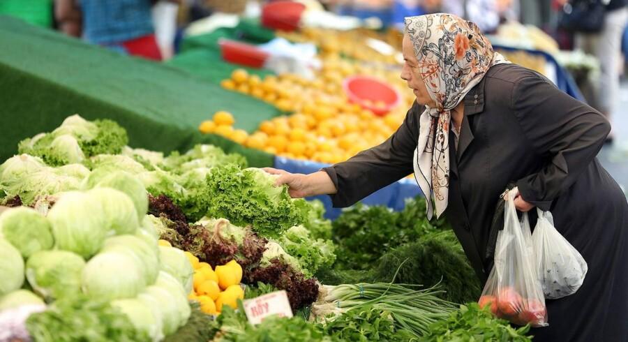 Inflationen er eksploderet i Tyrkiet de senere måneder. Det betyder, at der skal lægges flere penge for de samme varer.