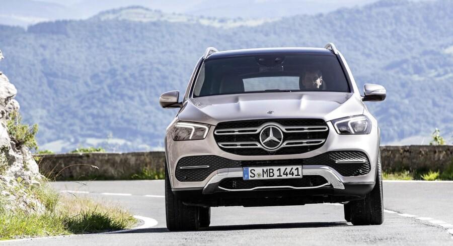 Med design lånt delvist fra Mercedes-Benz pickup X-Klasse virker den nye GLE mere rå og klar til offroad, og med en avanceret undervogn kan den også klare mere terræn end tidligere modeller