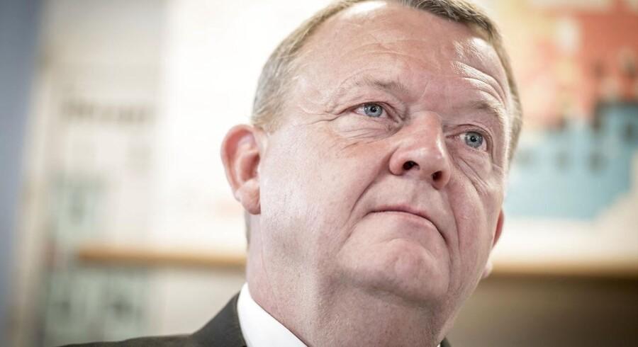 Mangel på arbejdskraft bliver ikke et valgttema, når statsminister Lars Løkke Rasmussen (V) udskriver valg, vurderer Berlingskes erhvervskommentator Jens Chr. Hansen. Og det selvom erhvervslivet længe har råbt op om problemet.