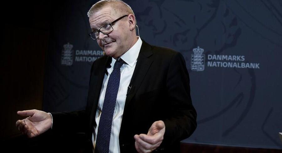 Nationalbankdirektør Lars Rohde sender en løftet pegefinger til politikerne, der sidder og forhandler finansloven på plads. De skal ifølge Lars Rohde særligt have fokus på to ting: Mangel på arbejdskraft og overophedning af økonomien.