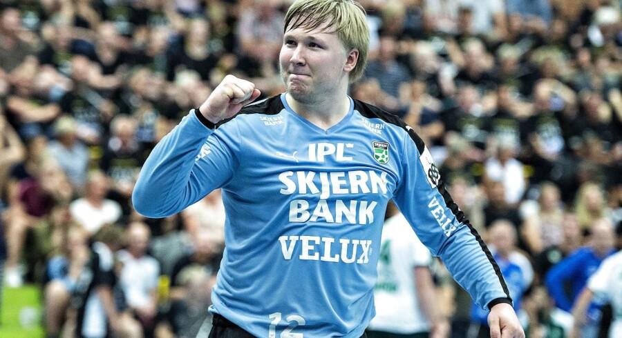 Emil Nielsen måtte se kampen mod TTH Holstebro fra sidelinjen.