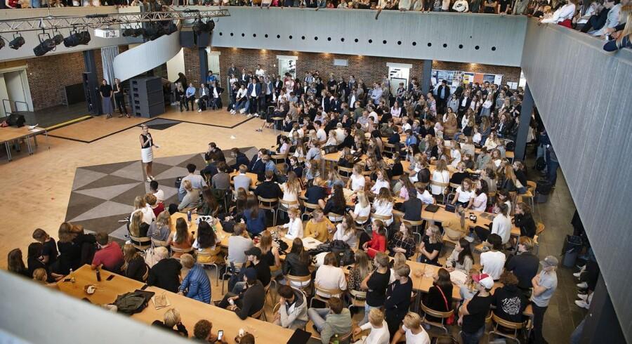 Sagen om puttemiddage startede på Rungsted Gymnasium, men Berlingske kan i dag fortælle, at fænomenet er udbredt på en lang række gymnasier nord for København. Rungsted Gymnsaium har strammet reglerne.
