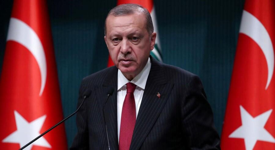 »Jeg har aldrig set centralbanken ramme sit årlige inflationsmål,« siger Erdogan.