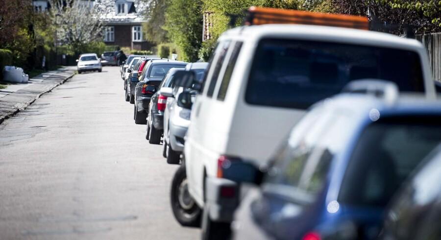 På billedet ser det pænt ud, men mange håndværkere parkerer konsekvent så egoistisk som muligt, mener Jesper Møller.