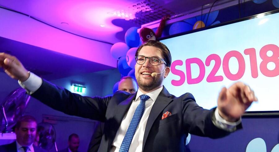 Det svenske etablissements behandling af Sverigedemokraterna og partiets leder Jimmie Åkesson har været ynkelig, mener Caspar Stefani.