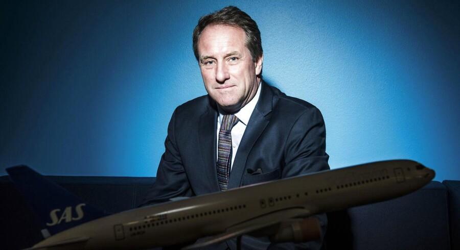 SAS-direktør Lars Sandahl Sørensen har solgt flybilletter for en milliard kroner mere hen over sommeren. SAS offentliggjorde fredag morgen et imponerende halvårsregnskab.