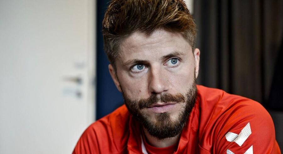 Lasse Schöne så ikke onsdagens landskamp i Slovakiet, da han var hjemme i Holland og ikke har dansk tv. Han er dog glad for, at kampen blev afviklet.