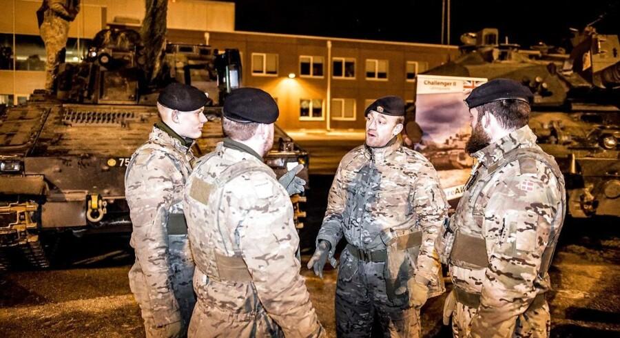 Danske soldater på Tapa Army Base i Estland. De er ifølge Uffe Ellemann-Jensen en del af NATOs fremskudte styrke, der skal afholde Putin fra at få »dumme« ideer. Arkivfoto: Mads Claus Rasmussen/Scanpix Ritzau