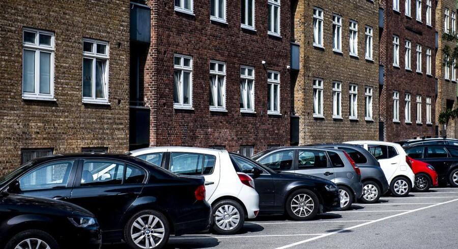 Beboerlicenser i Københavns Kommune bliver snart billigere for en lang række bilister.