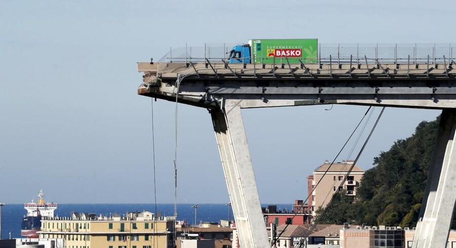 Morandi Broen i Genova, Italien, styrede sammen i august. 43 mennesker blev dræbt.