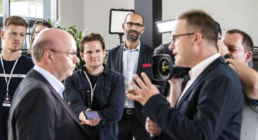 DBU's formand Jesper Møller og DBU's direktør Claus Bretton-Meyer udtaler sig om konflikten mellem DBU og Spillerforeningen på Viborg Stadion tirsdag den 4. september 2018.