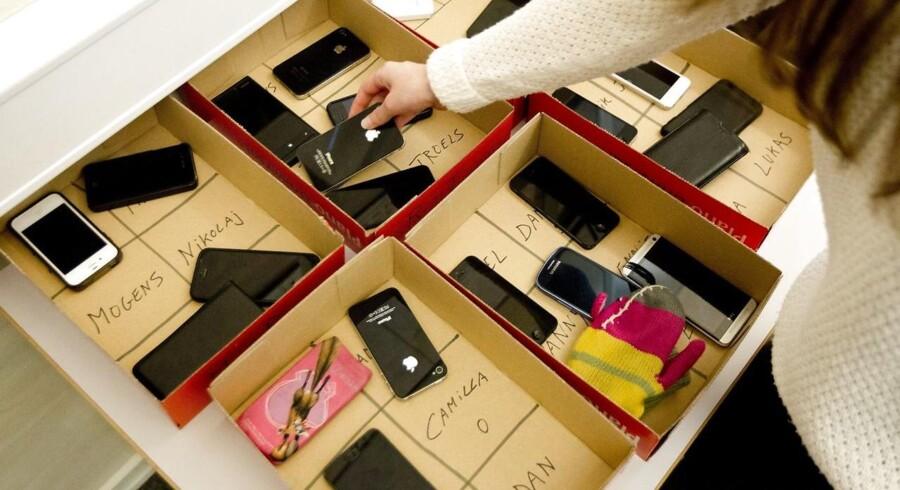 Mobiltelefoner skal ud af klassen. Foto: Morten Stricker/Scanpix Ritzau.