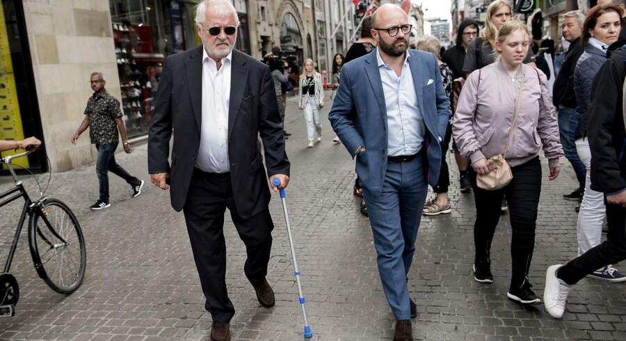 I juni 2018 faldt der dom i Schlüter-sagen. Johan Schlüter blev dømt for mandatsvig af særlig grov beskaffenhed for ikke under 100 mio. kroner. Men hvordan kunne Schlüter-skandalen slippe forbi tilsynets radarsystemer? Det og mange andre spørgsmål stiller advokat Eskil Nielsen i en kronik i Berlingske, hvor han efterlyser en granskning af skandalen.