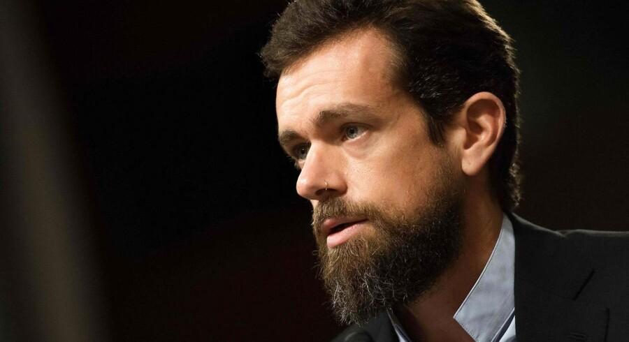Twitter træffer ikke beslutninger baseret på politisk ideologi, lyder det fra selskabets adm. direktør Jack Dorsey, under en høring i den amerikanske kongres 5. september 2018. (Photo by Jim WATSON / AFP)