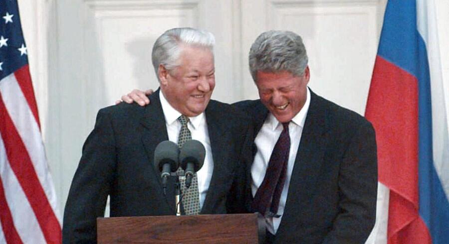 Der var oftest en ganske munter stemning, når den amerikanske præsident Bill Clinton mødtes med sin russiske kollega Boris Jeltsin. Det ses også af nye dokumenter, der netop er blevet offentliggjort.