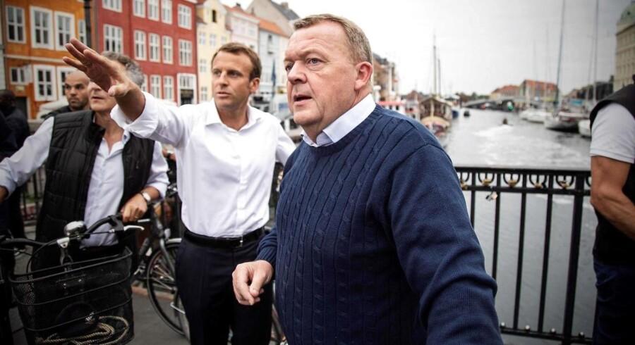 Emmanuel Macron besøger Nyhavn med Lars Løkke Rasmussen.