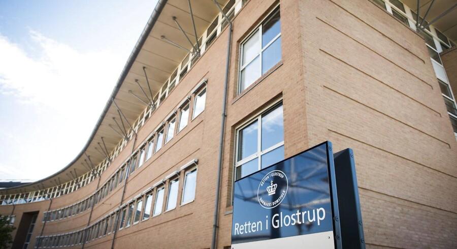 Retten i Glostrup har fredag afgjort en sag om en nyfødt dreng, der fundet nedgravet i oktober sidste år.