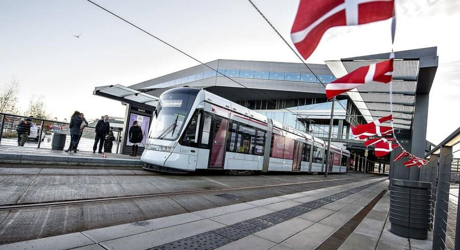 Borgere kan blive forsinket i trafikken og opleve støjgener i forbindelse med anlægsarbejdet af letbanen.Her et billede fra åbningen af Letbanen i Aarhus.