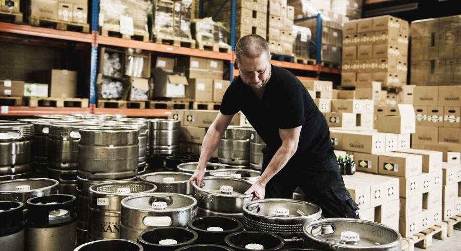 Bryggeriet Skands, der er et mindre bryggeri i Brøndbyøster, kan lige som flere andre danske mikrobryggerier mærke presset oppefra. Berlingske Business har talt med en stribe danske mikrobryggerier, der samstemmende kan fortælle om et dansk marked for specialøl, der er blevet markant mere professionelt og konkurrencepræget.