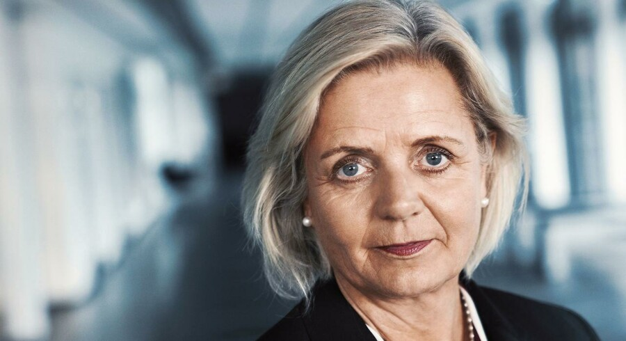 Sydbank-topchef Karen Frøsig må konstatere, at bankens udlån falder. Finanskrisen sidder ifølge bankdirektøren stadig for godt fast i både erhvervs- og privatkundernes bevidsthed.