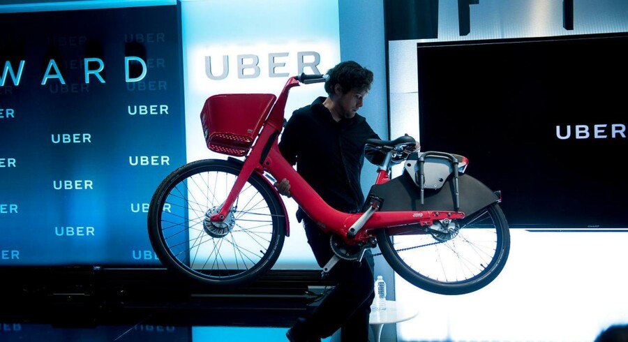 Uber opkøbte dele af elcykelfirmaet Jump for omkring 200 millioner dollar tidligere i år. Fremover vil Uber omlægge sin omdiskuterede taxitjeneste til elcykler og elektriske scootere.