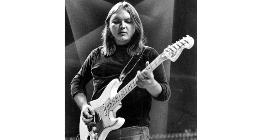 """FILE - This 1975 file photo shows guitarist Ed King of the Southern rock band Lynyrd Skynyrd. A family statement said King, who helped write several of their hits including """"Sweet Home Alabama, """" died from cancer, Wednesday, Aug. 22, 2018, in Nashville, Tenn. He was 68. (AP Photo, File). (Foto: /Ritzau Scanpix)"""