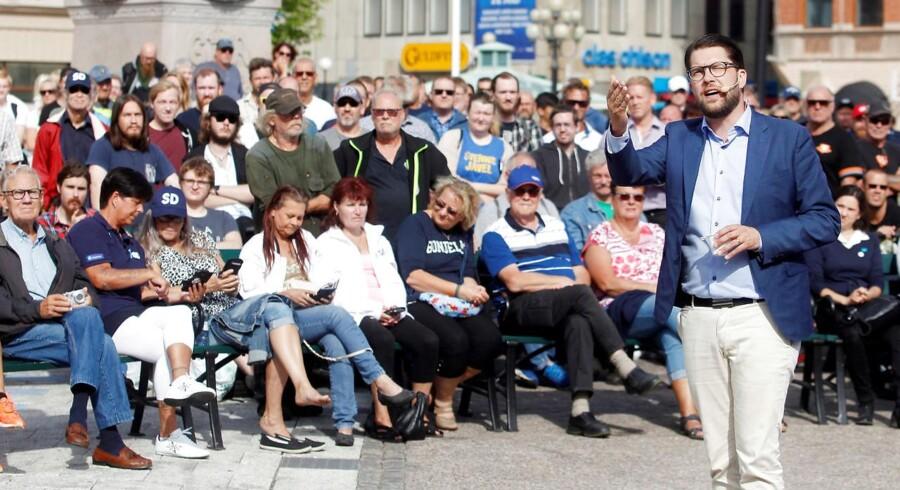 Sverigedemokraternes leder, Jimmie Åkeson, taler for potentielle vælgere forud for det svenske rigsdagsvalg 9. september.