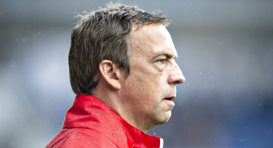 Hobros træner Allan Kuhn er frustreret over de mange mål, som Hobro har lukket ind i starten af sæsonen.