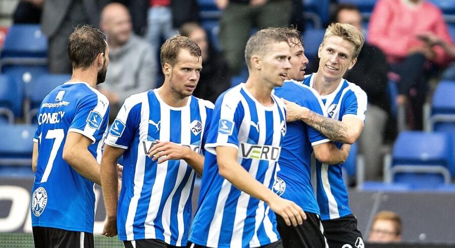 Randers FC's Emil Riis Jakobsen (til højre) scorede til 2-0 i Superliga-kampen mod Hobro.