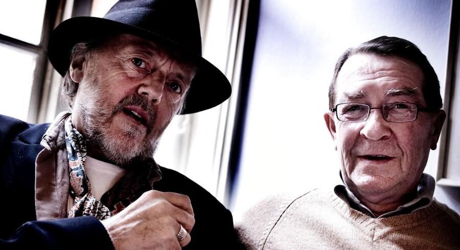 (ARKIV) Povl Dissing og Benny Andersen på pressemødet fredag d. 15 oktober 2004 i København. Den folkekære forfatter, digter og pianist Benny Andersen er død torsdag eftermiddag. Han blev 88 år.