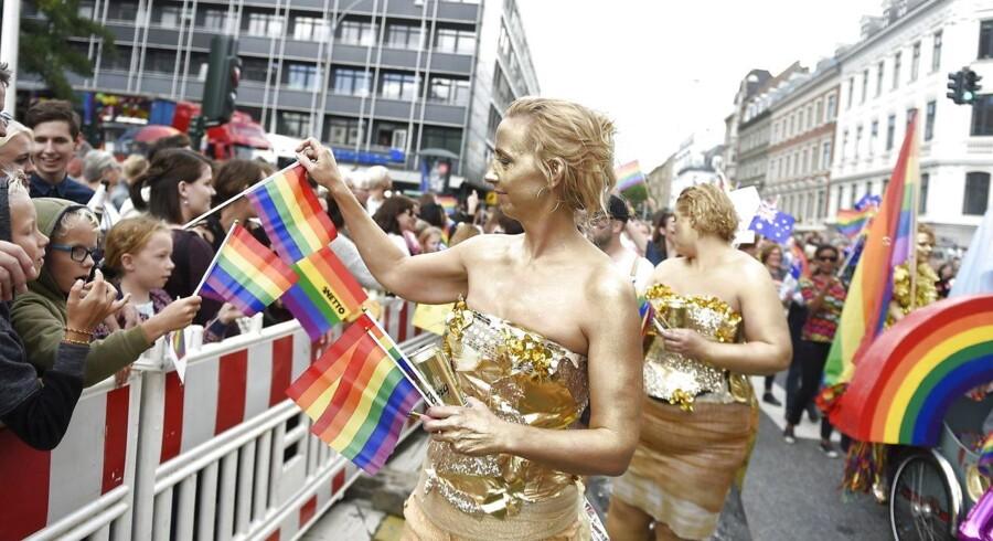 Hvis vestlige demokratier forsømmer den nødvendige kamp for basale individuelle rettigheder på globalt plan, vil autoritære regimer med tiltagende dristighed fortsætte med at fængsle kritikere og undertrykke minoriteter. Arkivfoto: Copenhagen Pride Parade deltagere ved starten af Prideparaden på Frederiksberg Rådhusplads lørdag 19. august 2017. Paraden går fra Frederiksberg Rådhusplads til Københavns Rådhusplads. (Foto: Liselotte Sabroe/Scanpix 2017)