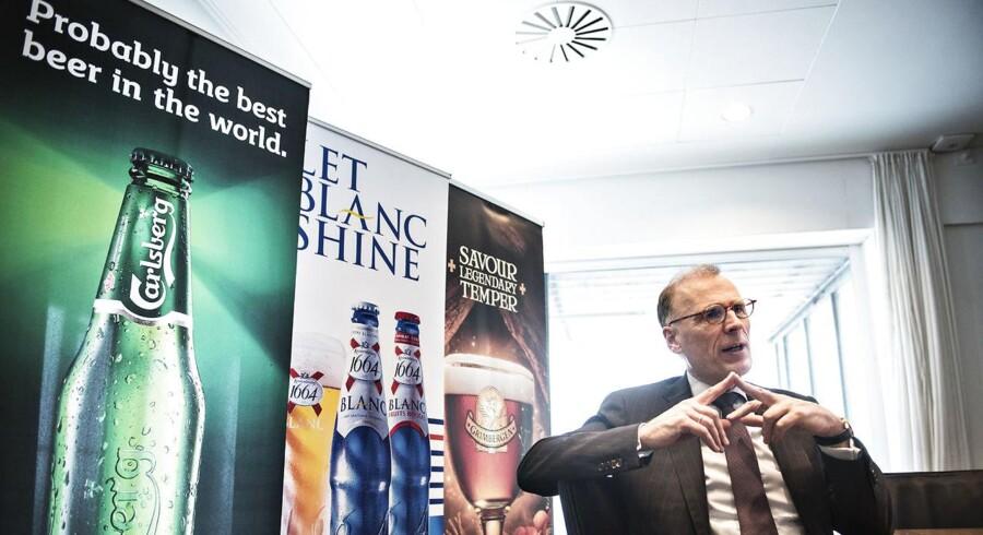 Carlsberg opjusterer, og aktien stiger. Men det var kun første halvleg i strategien, siger Carlsbergs topchef, Cees 't Hart.