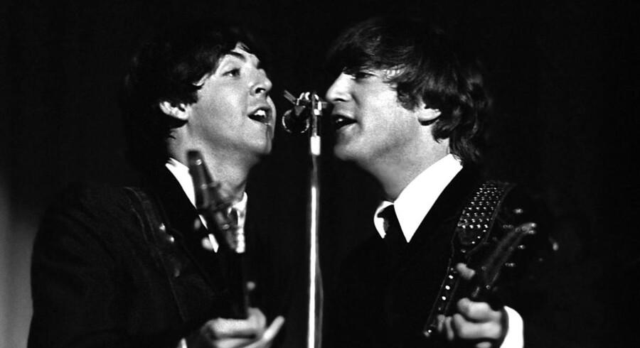 Selv om de to hovedkomponister i The Beatles, Paul McCartney (t.v.) og John Lennon, skrev de færreste sange i demokratisk sammenhold, blev sangene altid signeret »Lennon-McCartney«. Dette har givet rockhistorikere visse hovedbrud, som matematikken nu ser ud til at kunne løse.
