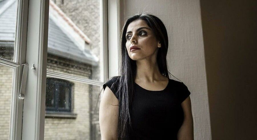 Forfatter Sara Omar har skrevet romanen Dødevaskeren om undertrykkelse af muslimske kvinder.