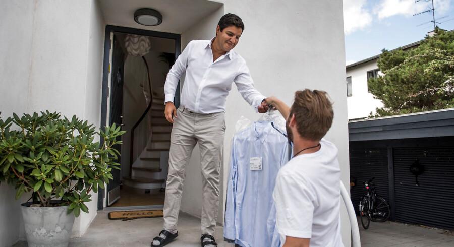 Nabil Shaykh er salgschef i Microsoft. Han får hentet og bragt sit vasketøj af firmaet Washa.