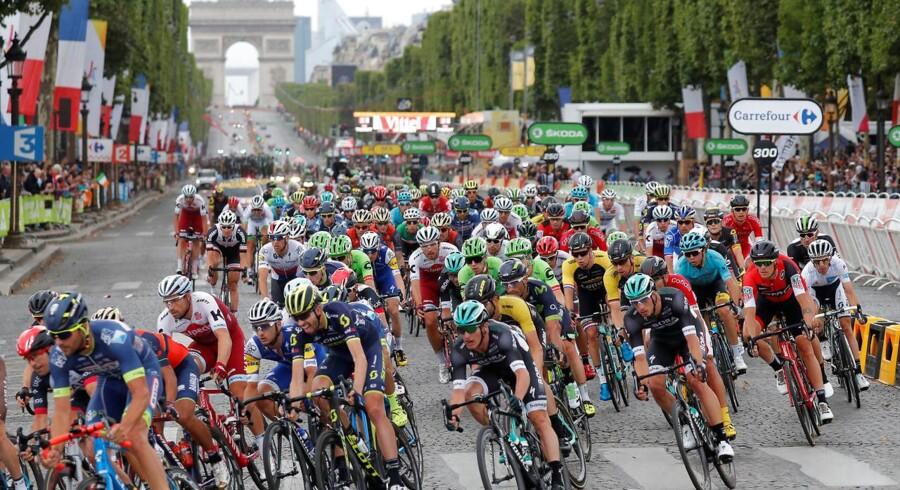 Tour de France-feltet på Champs-Elysees i Paris.